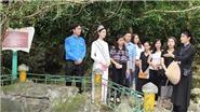 Hoa hậu Lương Thùy Linh tham gia nhiều hoạt động xã hội có ý nghĩa tại tỉnh Cao Bằng