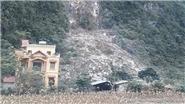 Sợ động đất, người dân xã Đàm Thủy, Cao Bằng dựng lán ngủ ngoài đồng
