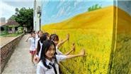 VIDEO: Cuối cùng Hà Nội đã có làng bích họa đầu tiên, còn đợi gì mà không đi check-in?