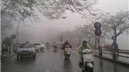 Thời tiết hôm nay: Hà Nội mưa nhỏ, Nam Bộ có dông lốc, mưa đá