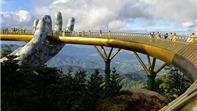Cầu Vàng ở Đà Nẵng lọt Top 10 cây cầu độc lạ nhất thế giới