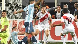 Argentina bị Peru cầm hòa 2-2: Nỗi nhớ Messi và cơn ám ảnh chiến thắng