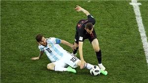 CĐV sốc vì hành vi nổi nóng, thái độ thiếu fair-play của Messi