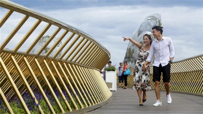 Cầu Vàng có phải là 'pha ăn may' của du lịch Việt Nam?